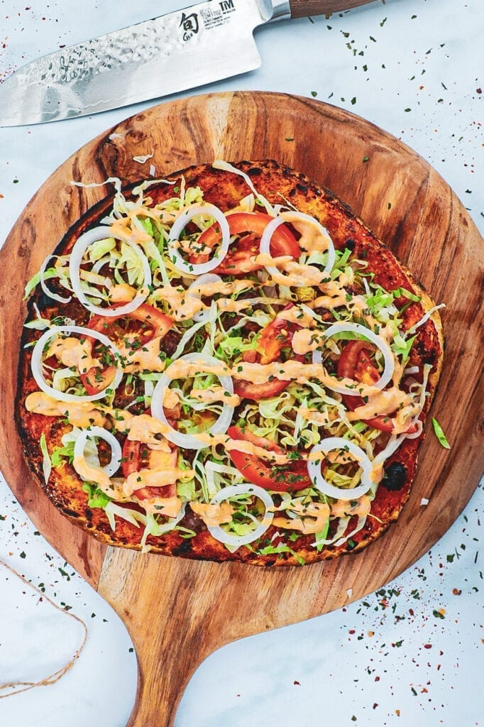 Burger pizza - Opskrift på pizza med burger topping
